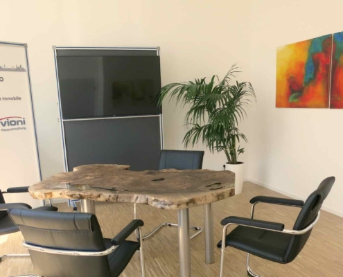 christinart Vernissage Acrylbilder und Holzkunst